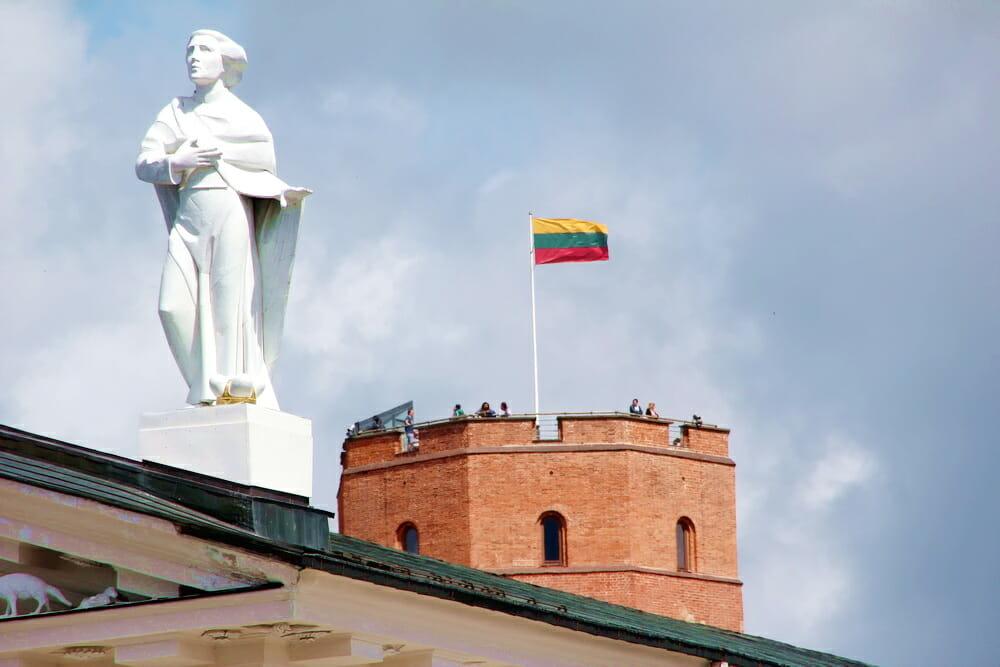 Оформляем своими силами визу в Литву – как театралам попасть в Паневежес?