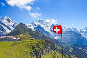 Швейцария горы и флаг