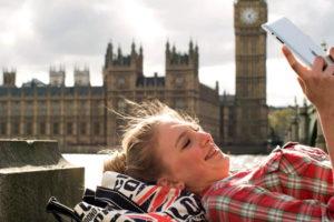 Девушка в Англии