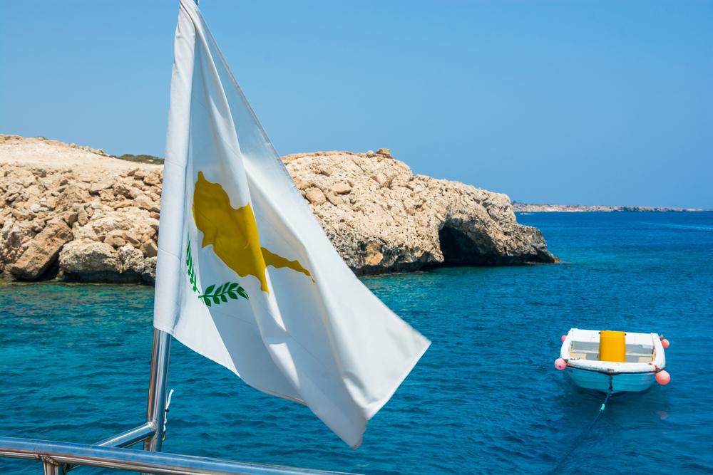 Виза на Кипр для россиян – почему остров один а государства два?