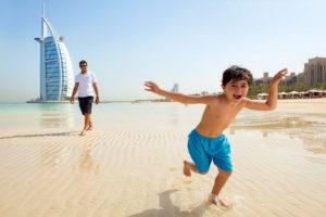 Ребенок в Дубае
