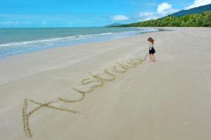 Девочка на пляже