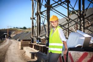Девушка инженер