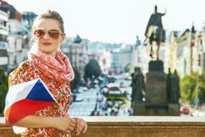 Девушка с флагом Чехии