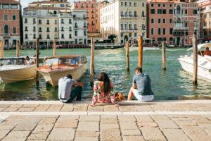 Люди в Венеции