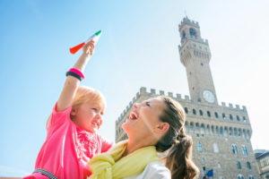 Мама с ребенком в Италии