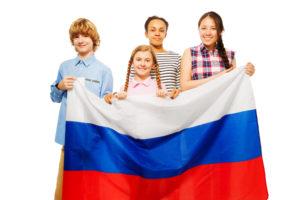 Флагом РФ