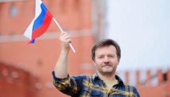 Как работодателю трудоустроить иностранца в РФ
