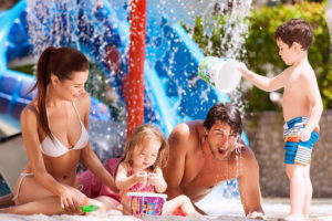 Семья в аквапарке