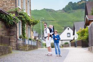 Семья в немецкой деревне
