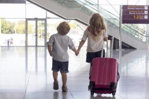 Дети в аэропорту