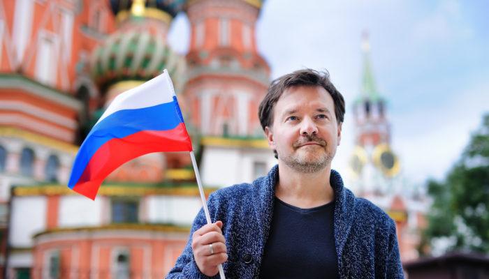 Какой штраф предусмотрен за просроченную регистрацию иностранца в России – как избежать депортации?