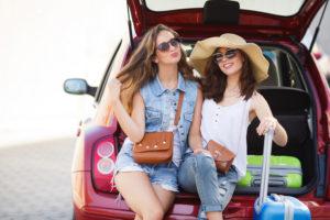 Девушки в багажнике