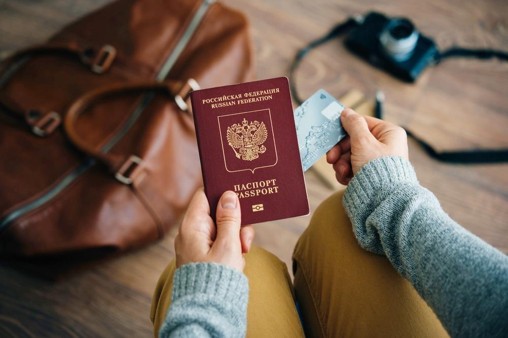 Как россиянину восстановить заграничный паспорт при утере или порче – почему нужно делать новый?