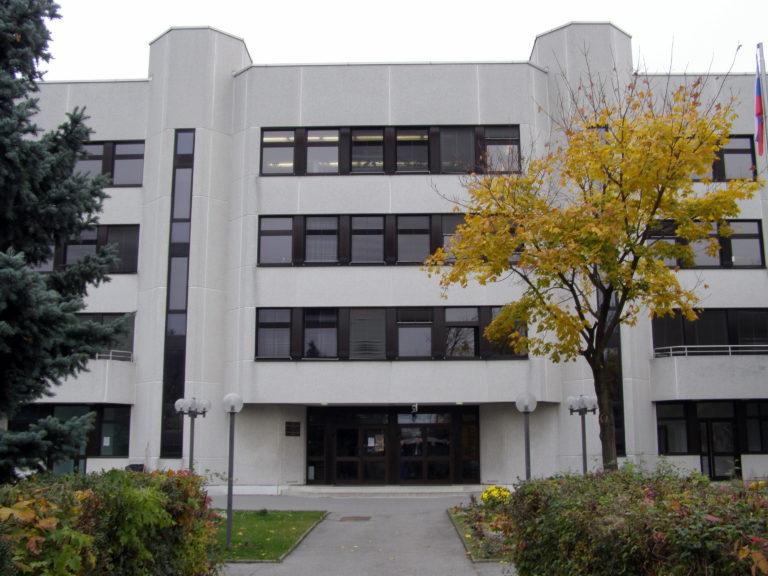 Школа при посольстве РФ в Австрии – только для детей дипломатов?