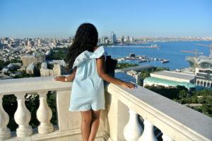 Девушка в Баку