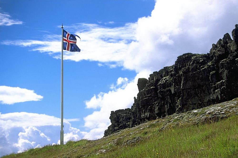 Работа в Исландии – сколько платят в «стране льдов»?