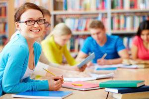 Студенты-в-библиотеке-в-Бельгии